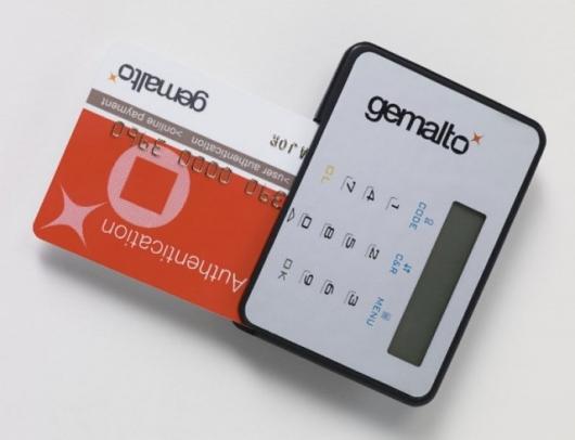 Première carte de crédit avec générateur de mot de passe