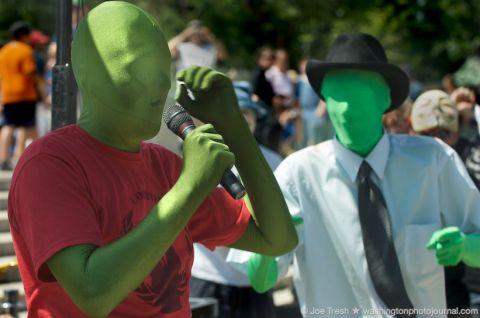 Anonymous suspend les attaques PSN et s'explique