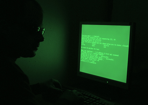 20 agences de notation piratées par les Anonymous et LulzSec pour le Nouvel An